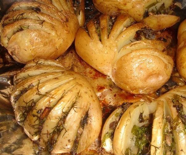 151 e1353652729600 Запеченный картофель, фаршированный грибами и зеленью