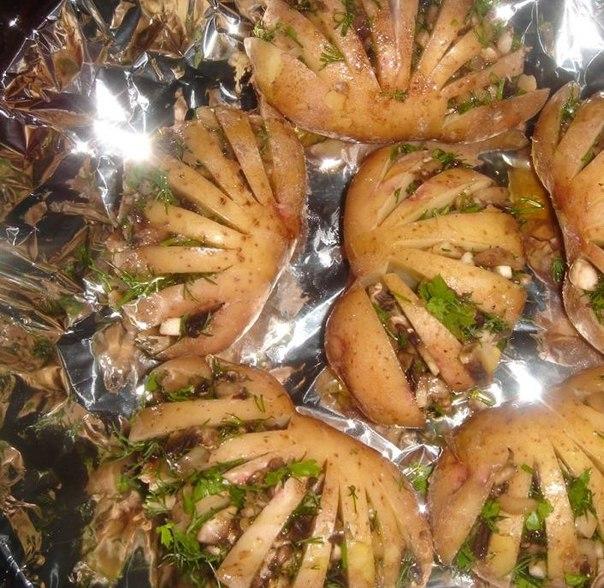 19 Запеченный картофель, фаршированный грибами и зеленью