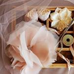 Цветок из шифона: брошь для наряда или заколка для волос (Фото)