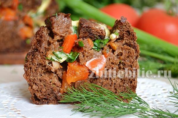 Хлеб, запеченный с начинкой в духовке