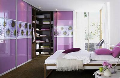 Шкафы-купе в интерьере современного жилья