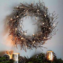 Дерево в декоре зимнего интерьера